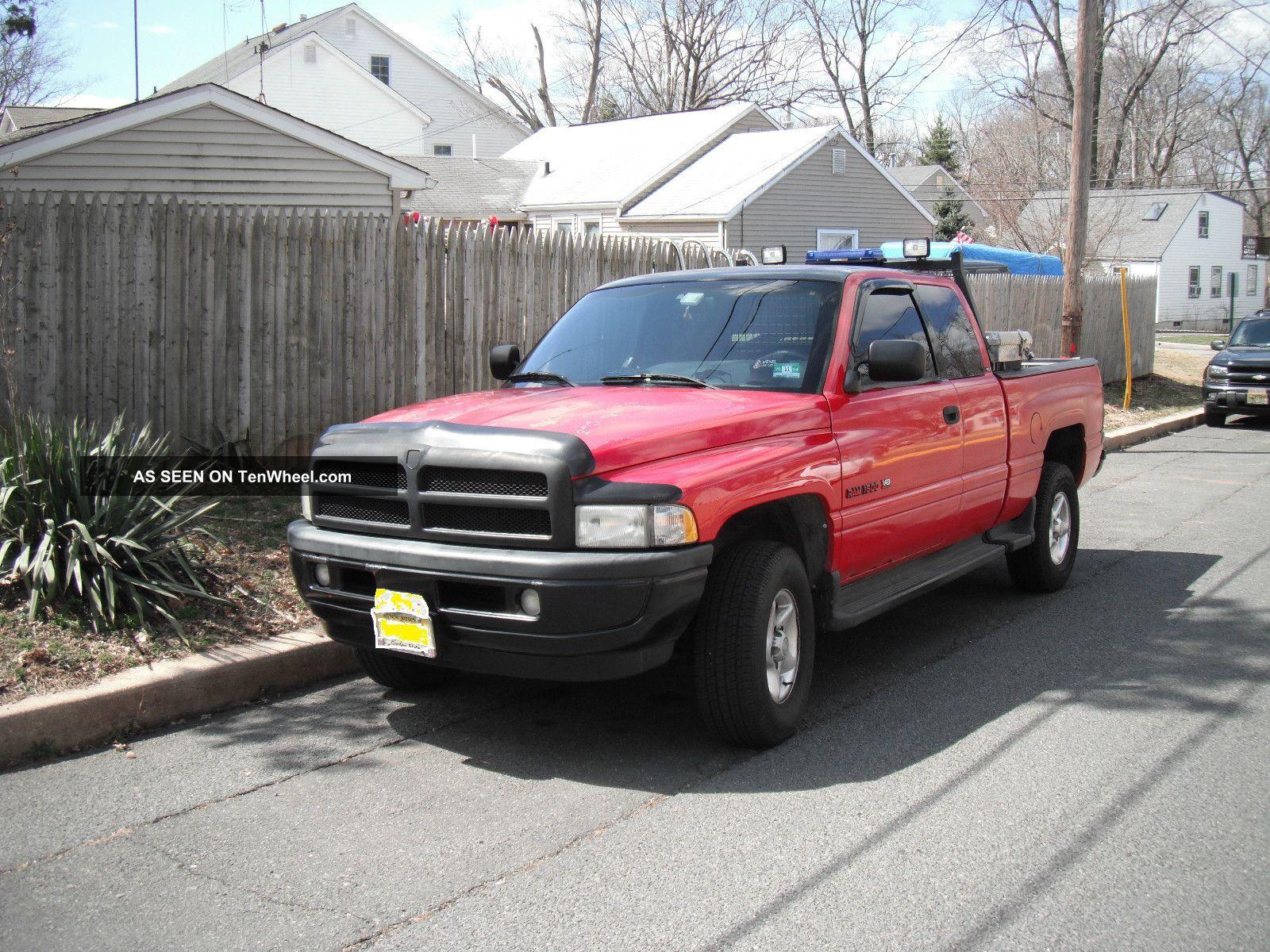 1996 Dodge Ram 1500 Base Extended Cab Pickup 2 - Door 5. 9l