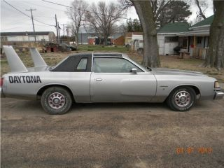 1978 Dodge Magnum Xe Coupe 2 - Door 5.  9l photo