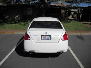 2006 Nissan Maxima Sl Sedan 4 - Door 3.  5l,  White,  Tinted Windows photo