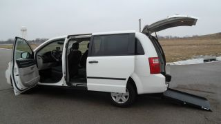 2010 Dodge Grand Caravan Wheelchair / Handicap Rear Entry Ramp Van photo