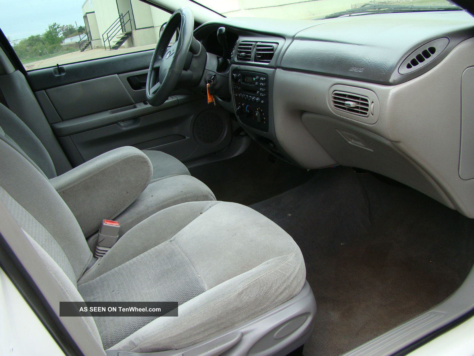 2005 ford taurus se texas car priced to sell look. Black Bedroom Furniture Sets. Home Design Ideas