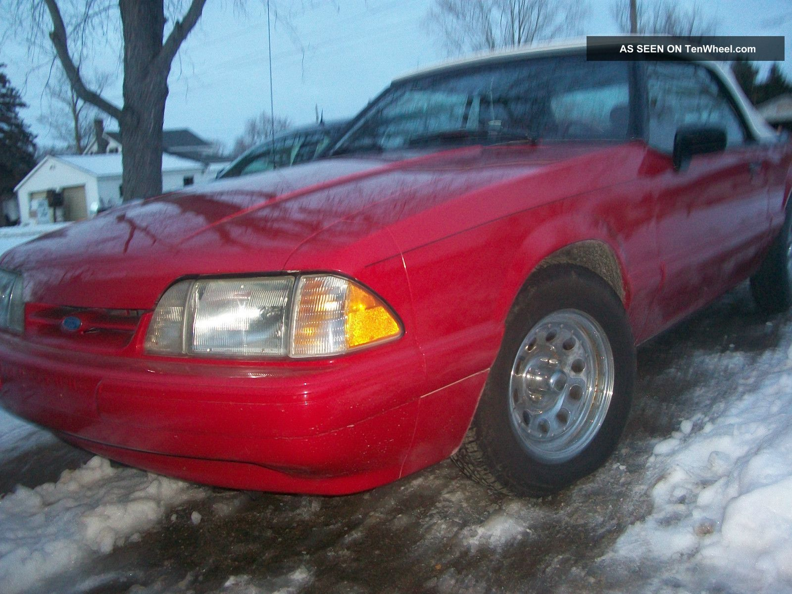 1992 Ford Mustang Lx Convertible 2 - Door 2.  3l Mustang photo
