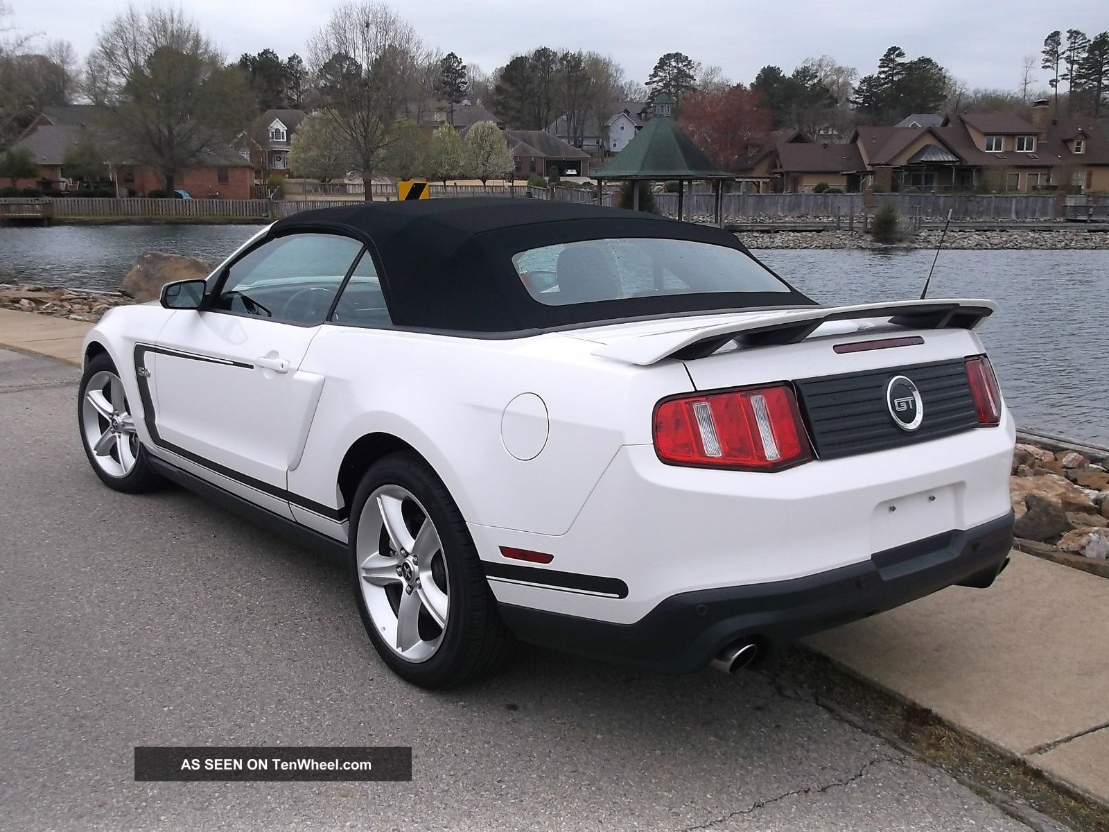 2012 ford mustang gt convertible premium 2 door 5 0l nascar pace car 6 speed. Black Bedroom Furniture Sets. Home Design Ideas