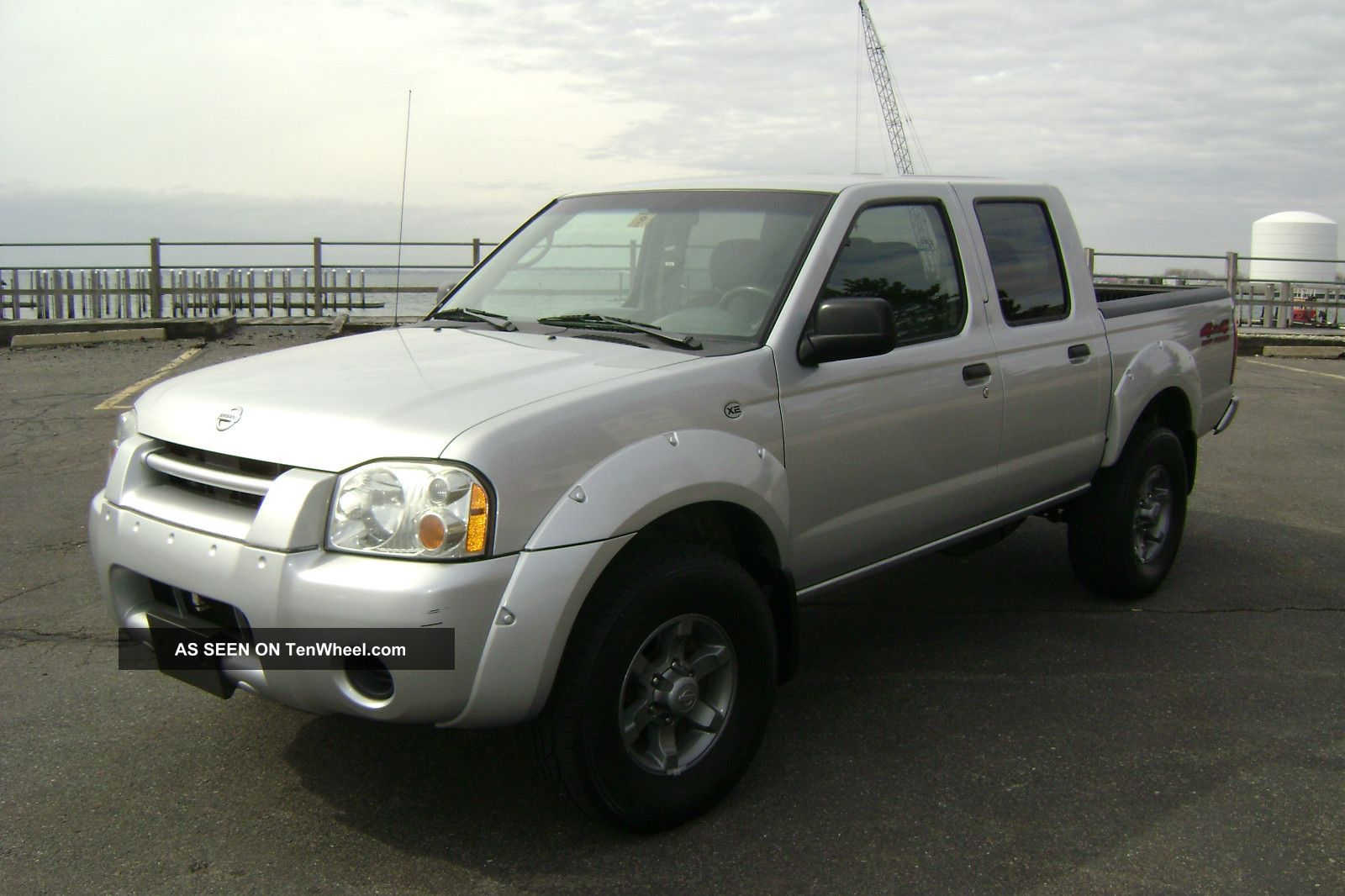 2004 nissan frontier xe crew cab pickup v6 auto 4x4 off road pkg. Black Bedroom Furniture Sets. Home Design Ideas