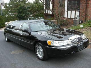 1999 Lincoln Town Car Executive Limousine 4 - Door 4.  6l photo