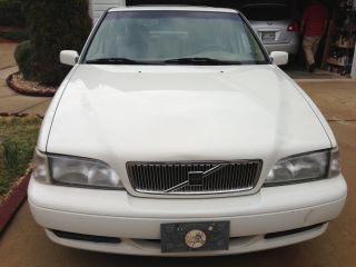 1998 Volvo S70 Base Sedan 4 - Door 2.  4l photo