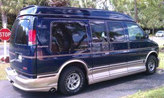 2001 Gmc Savana 1500 Base Standard Passenger Van 3 - Door 5.  7l photo