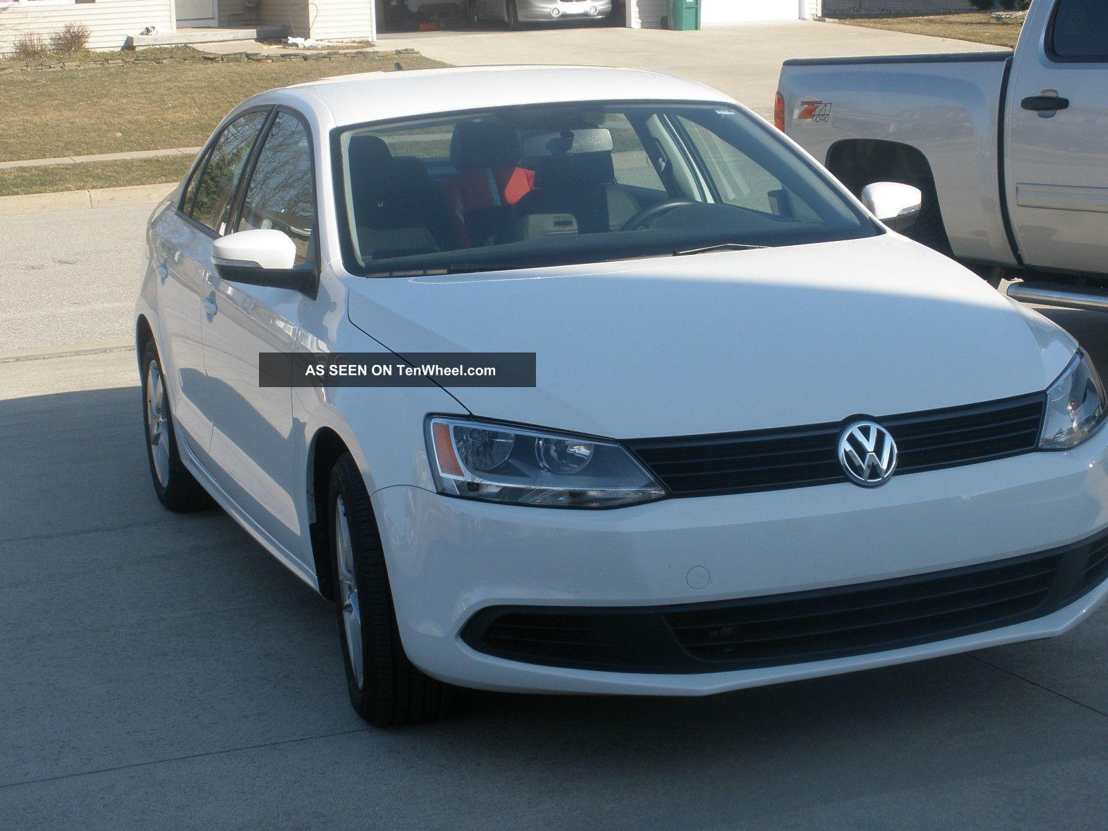 2011 Volkswagen Jetta Tdi Sedan 4 - Door 2.  0l Jetta photo