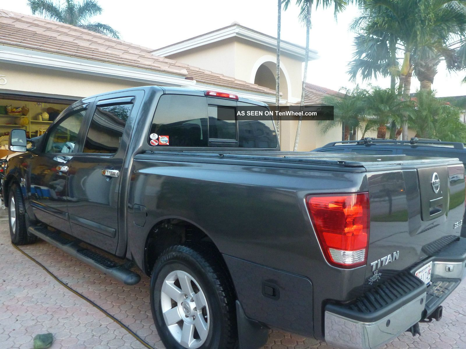 2004 nissan titan le 4x4 with big tow package. Black Bedroom Furniture Sets. Home Design Ideas