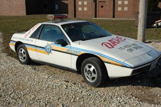 1984 Pontiac Fiero Base Coupe 2 - Door 2.  5l photo