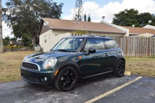 Mini Cooper 2009 Green photo