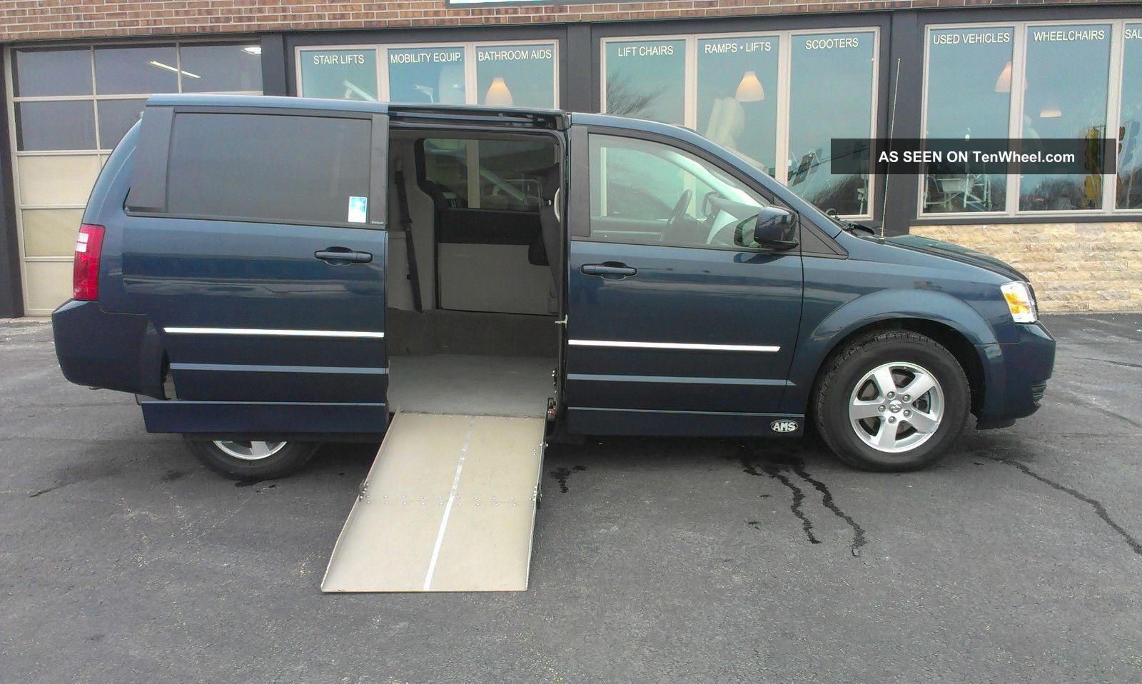 2008 Dodge Grand Caravan Sxt Wheelchair Van Grand Caravan photo