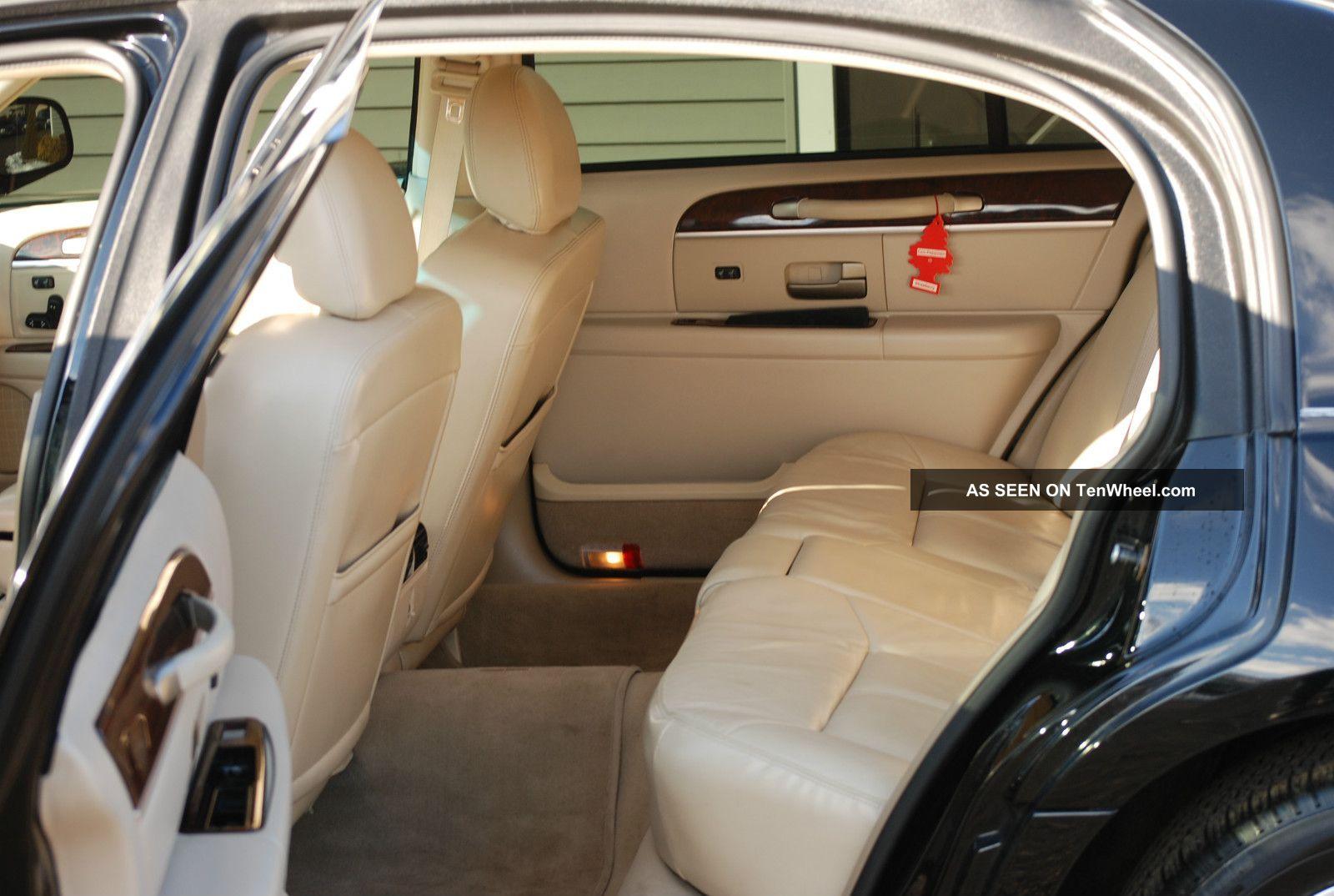 2009 lincoln town car signature l sedan 4 door 4 6l. Black Bedroom Furniture Sets. Home Design Ideas