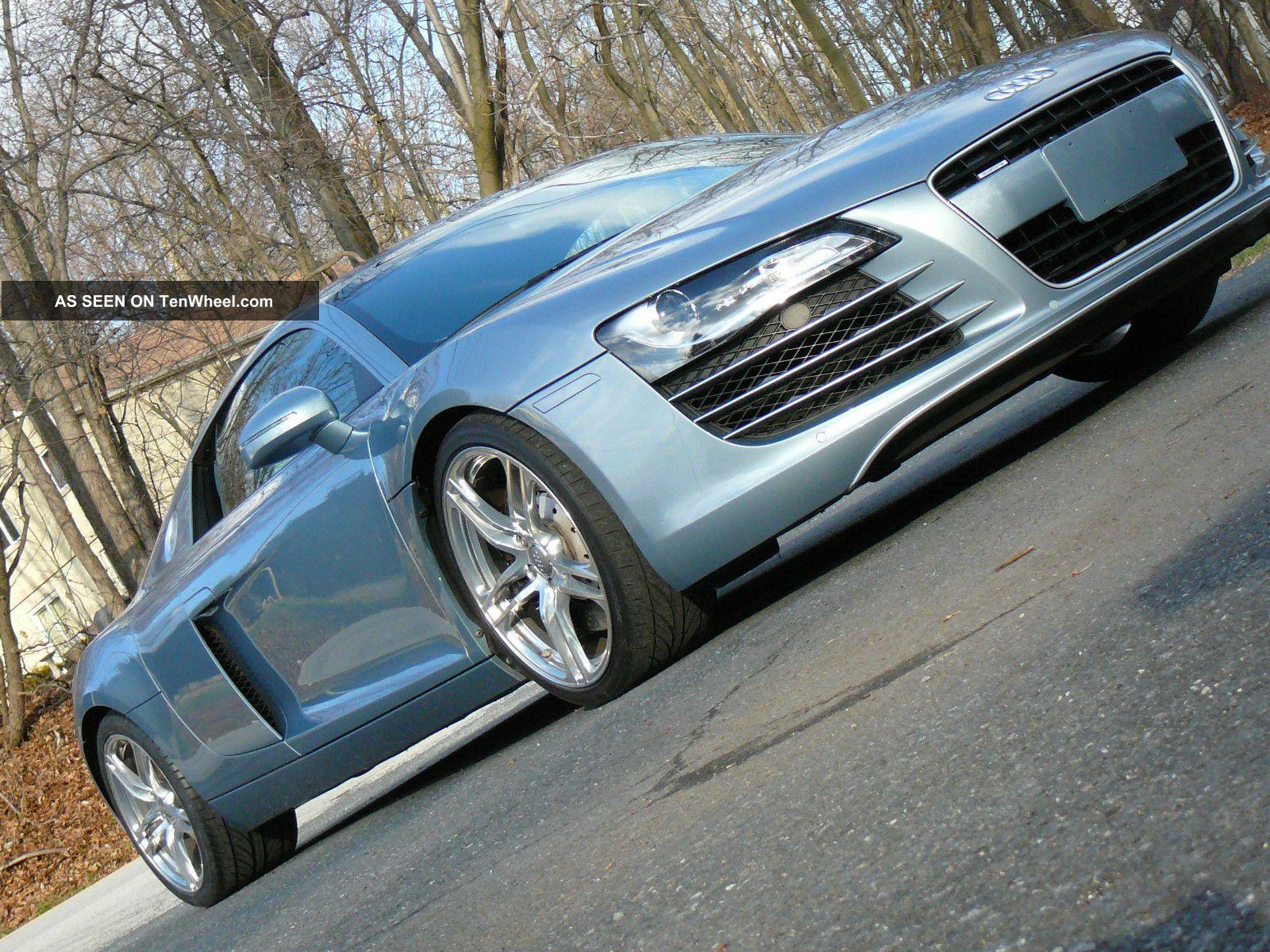 2009 Audi R8 4.  2 Quattro Coupe 6 - Speed Manual R8 photo