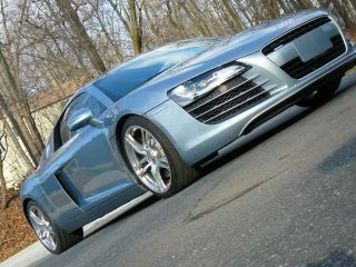 2009 Audi R8 4.  2 Quattro Coupe 6 - Speed Manual photo