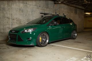 2012 Ford Focus Se Hatchback 4 - Door 2.  0l Show Car photo