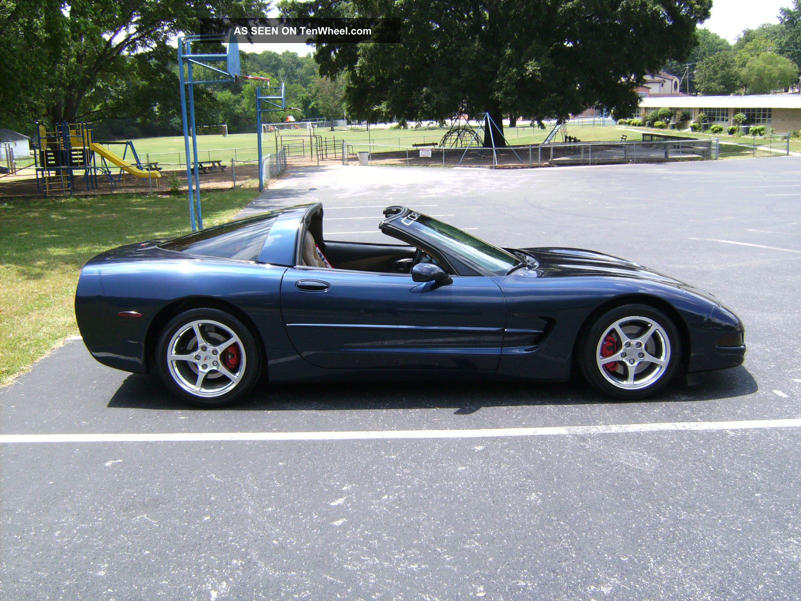 2000 chevrolet corvette base coupe 2 door 5 7l. Black Bedroom Furniture Sets. Home Design Ideas
