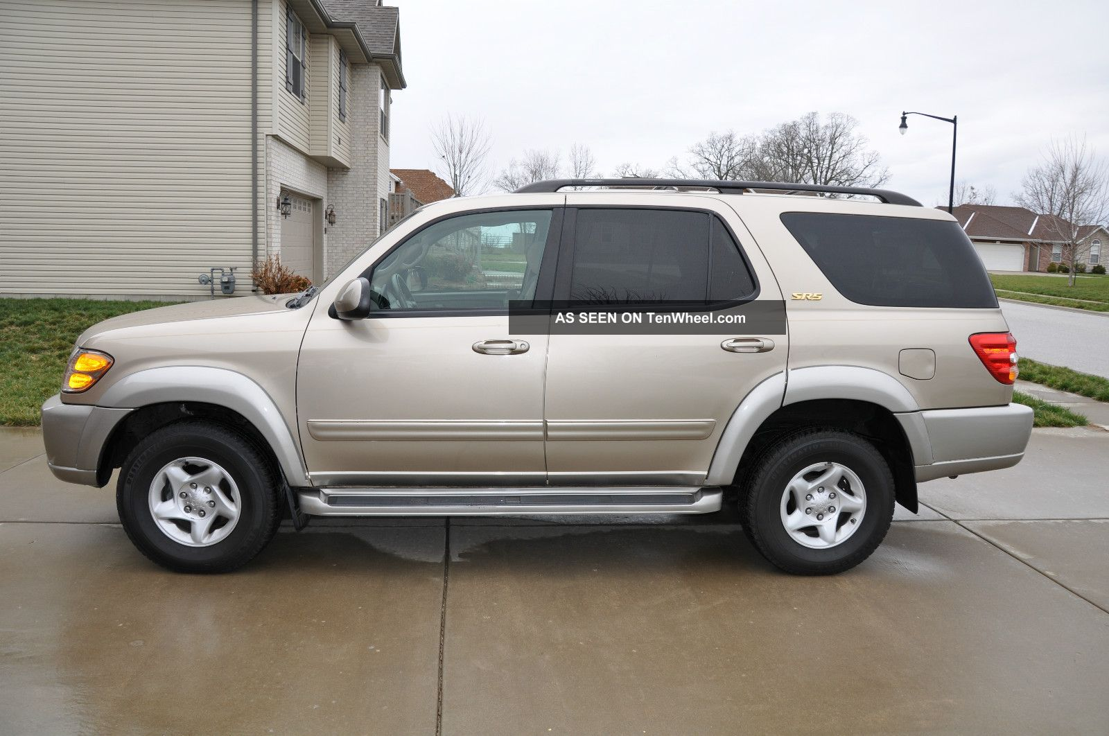 2002 toyota sequoia sr5 sport utility 4 door 4 7l. Black Bedroom Furniture Sets. Home Design Ideas