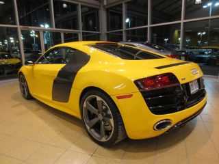 Audi R8 V10 5.  2 Quattro 2011 15,  376km Imola Yellow,  Carbon Mirrors,  Gps Etc photo