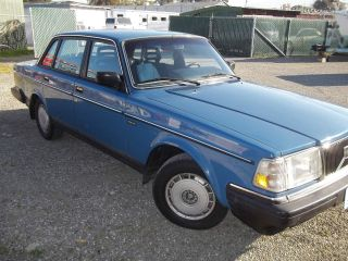1986 Volvo 240 Sedan 83k photo