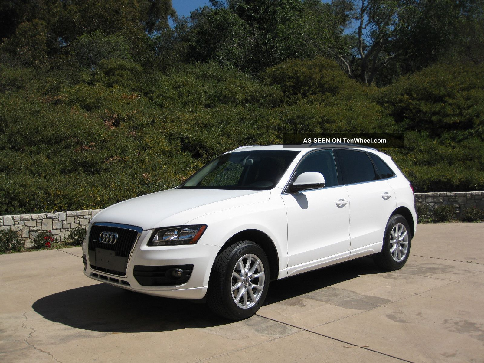 2011 audi q5 premium sport utility 4 door 2 0l white. Black Bedroom Furniture Sets. Home Design Ideas