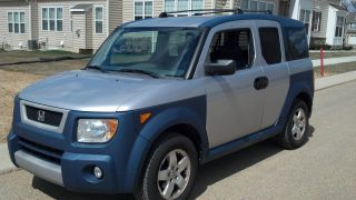 2005 Honda Element Ex Sport Utility 4 - Door 2.  4l 4wd photo