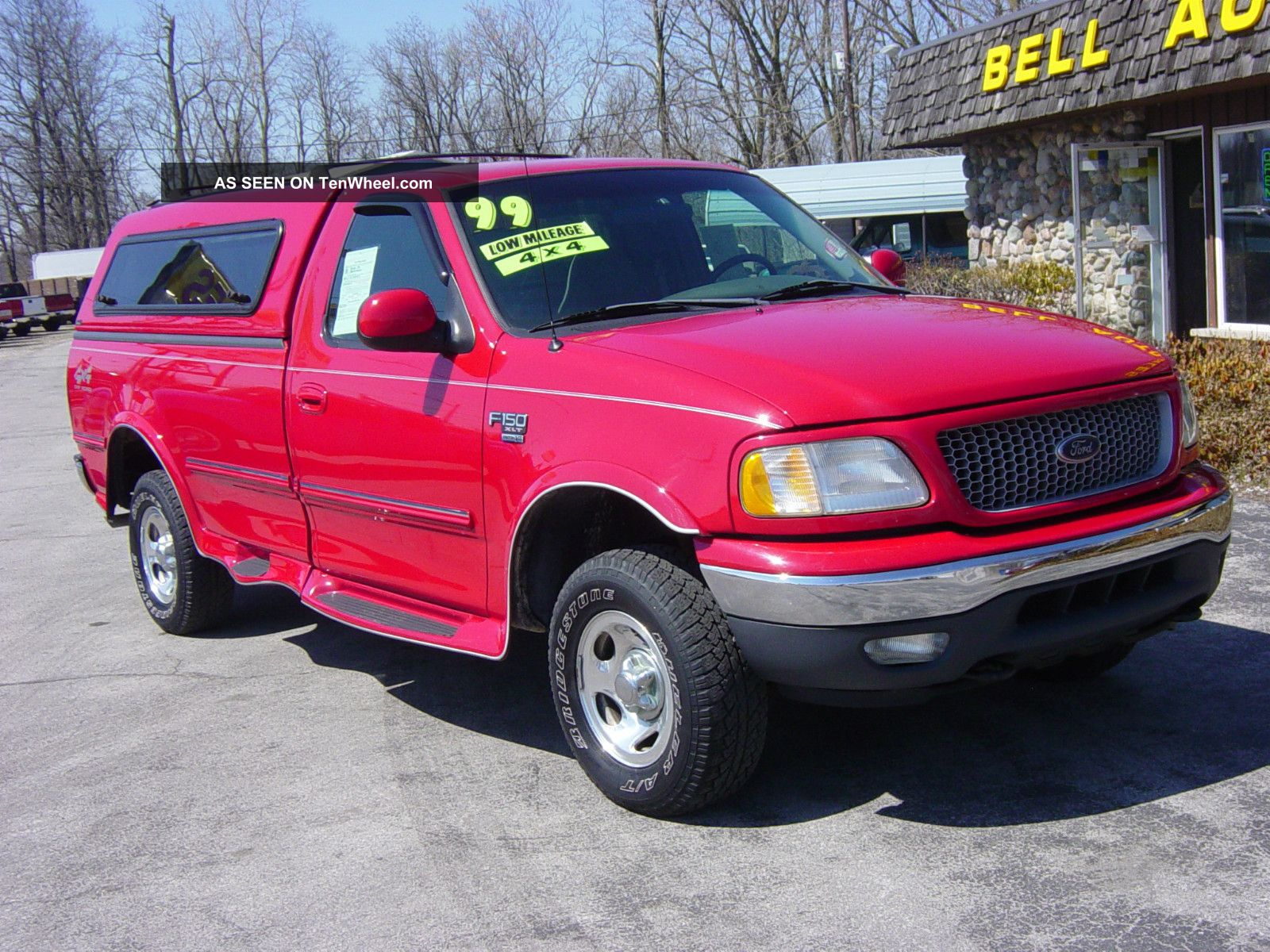 1999 ford f 150 xlt standard cab pickup 2 door 5 4l 4x4 bright red. Black Bedroom Furniture Sets. Home Design Ideas