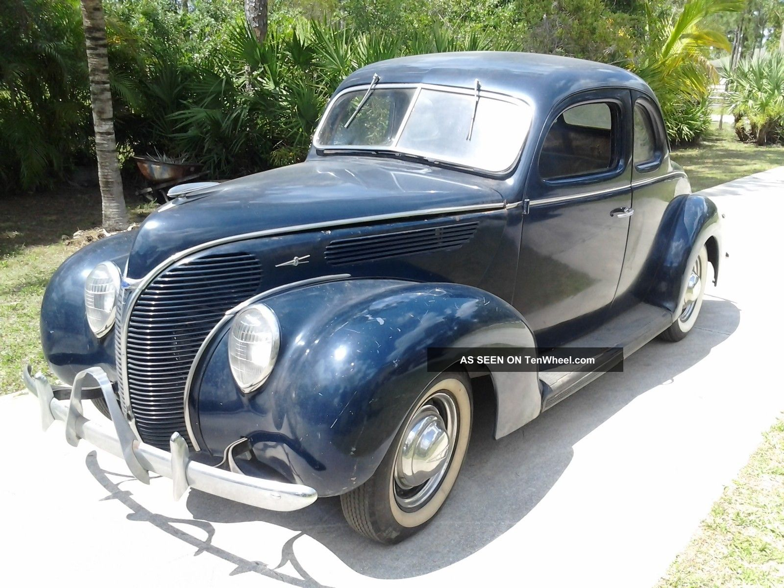1938 Ford Deluxe Coupe Other photo