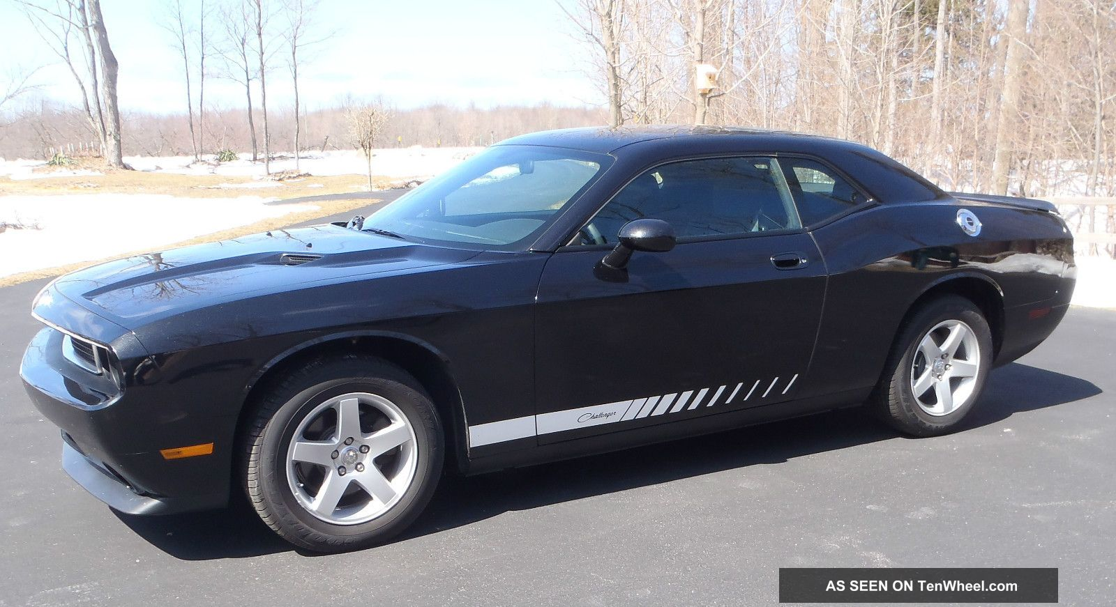 2009 Dodge Challenger Se Coupe 2 - Door 3.  5l Like Showroom Condition Challenger photo