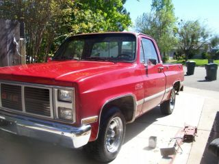 1985 Gmc / Chevy C1500 Shortbed Red On Red photo