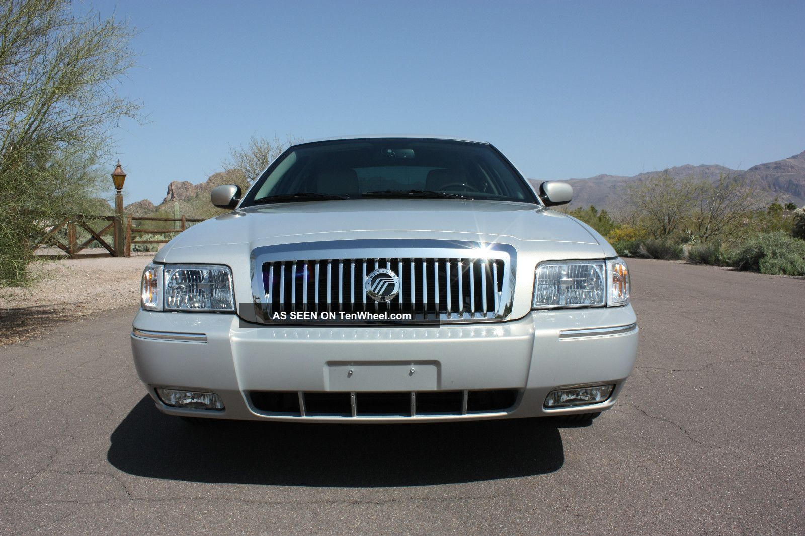 2011 Mercury Grand Marquis Ls Sedan 4 - Door 4.  6l Grand Marquis photo