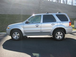2006 Ford Escape Limited Sport Utility 4 - Door 3.  0l photo