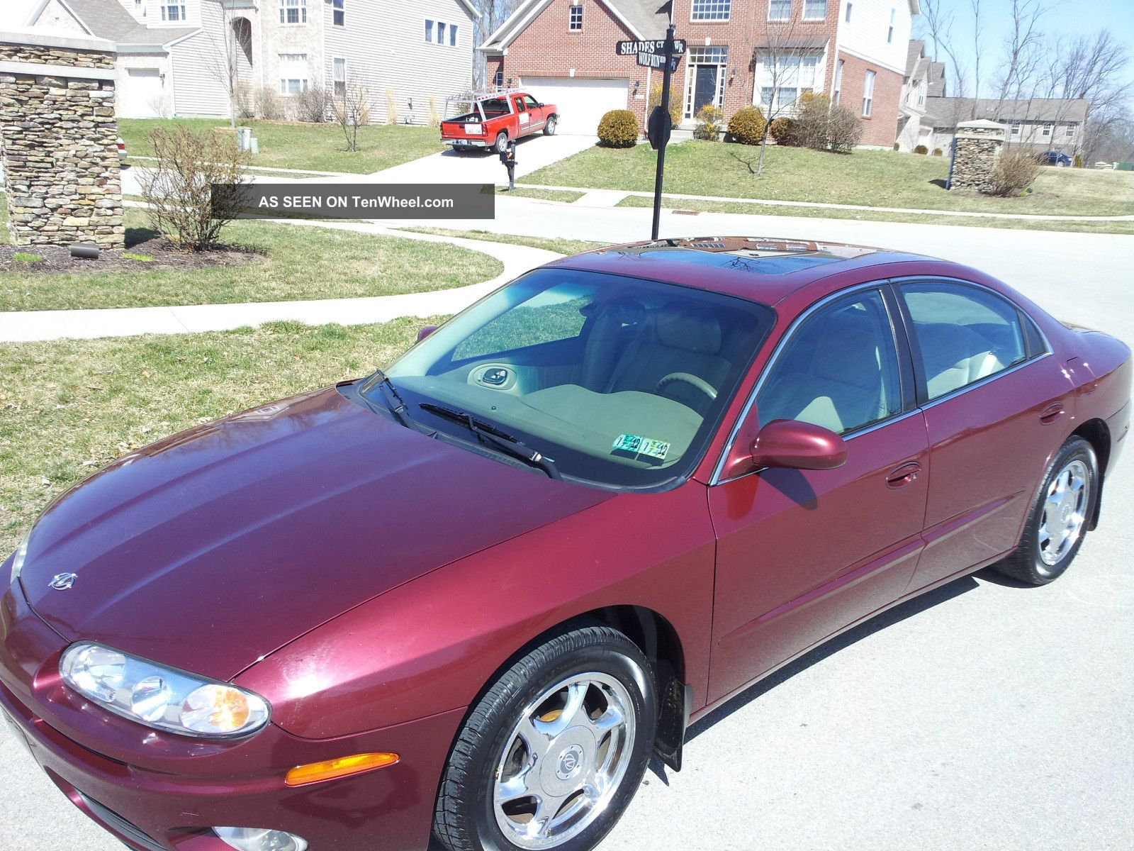 2001 Oldsmobile Aurora 4.  0l Burgundy / Tan.  Remote Starter. Aurora photo