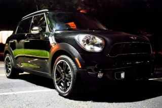 2011 Mini Cooper Countryman S Manual Transmission photo