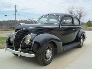 1938 1939 1940 Ford Deluxe Tudor Sedan photo