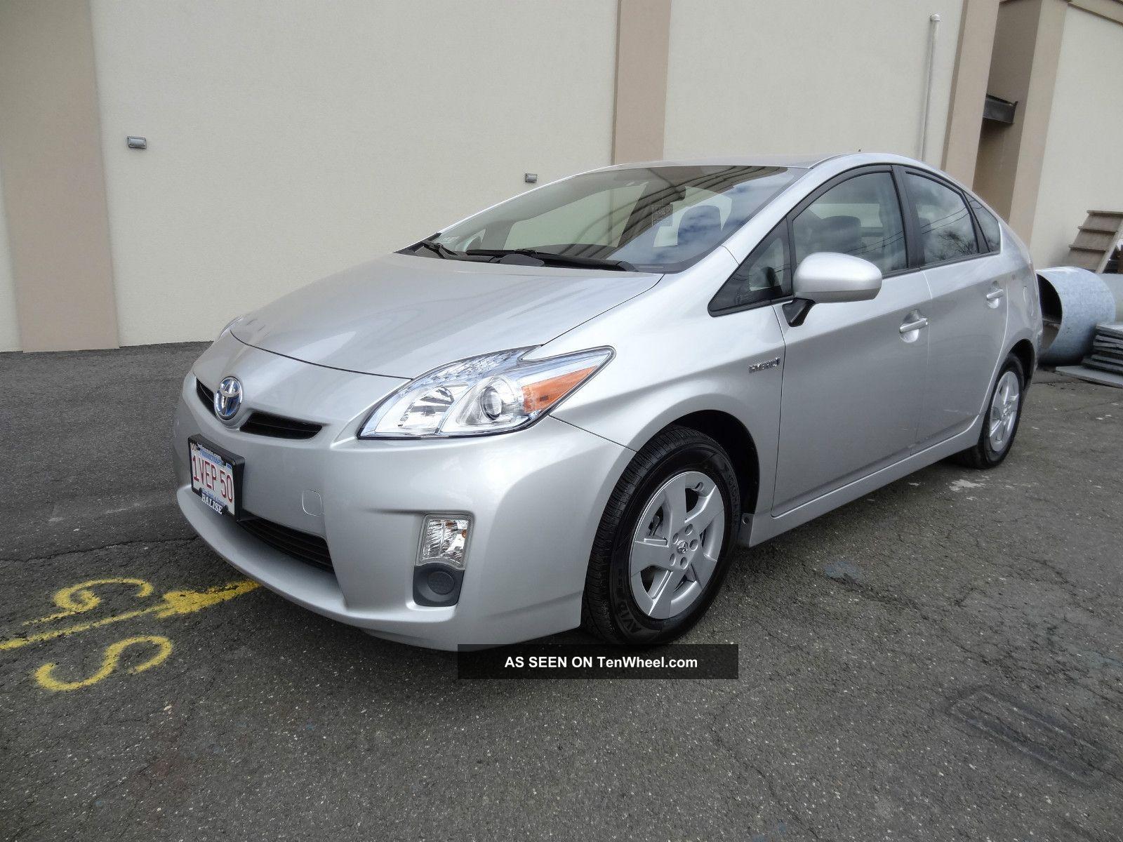 2011 Toyota Prius Base Hatchback 4 Door 1 8l