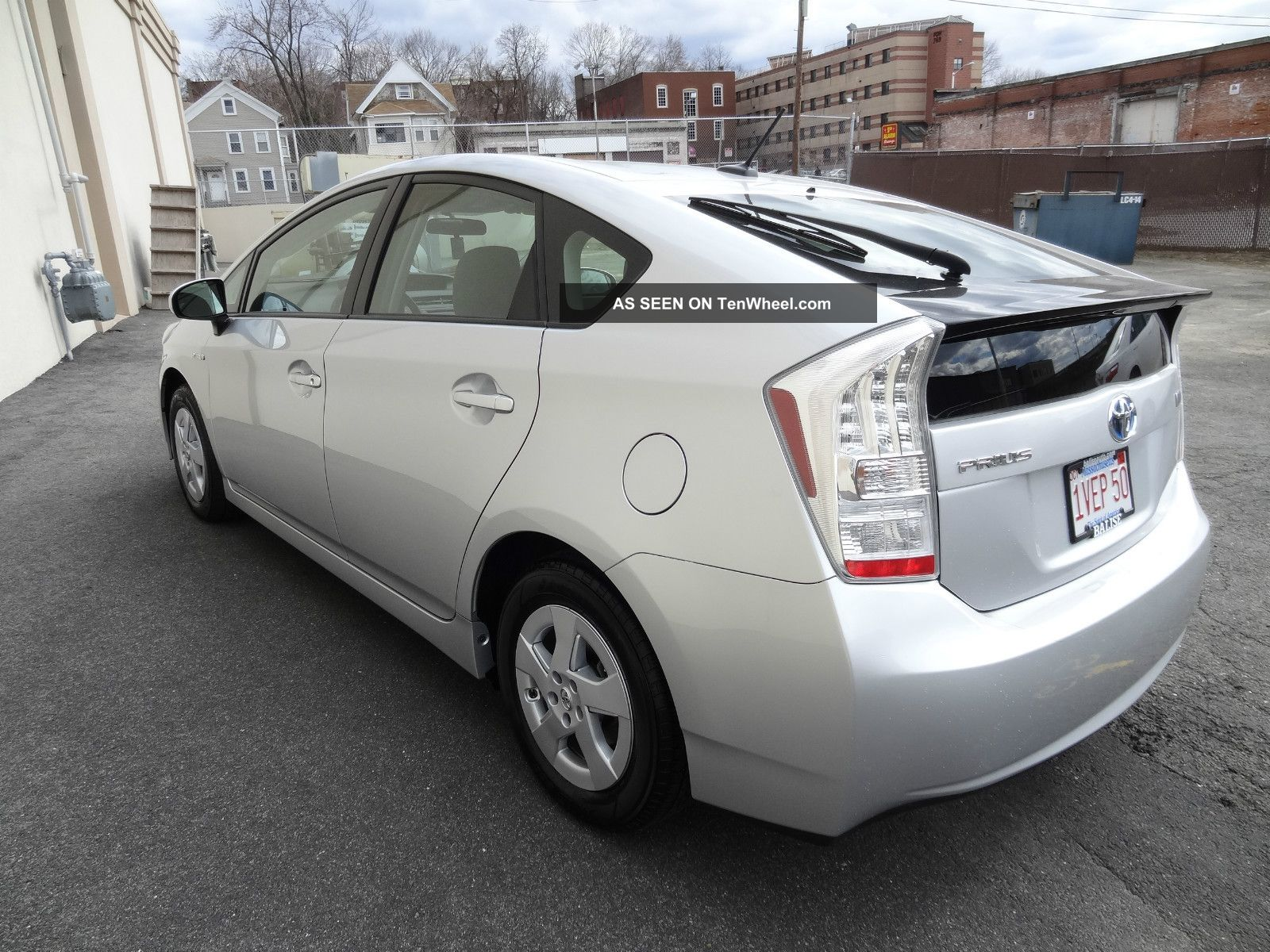 2011 Toyota Prius Base Hatchback 4 Door 1 8l