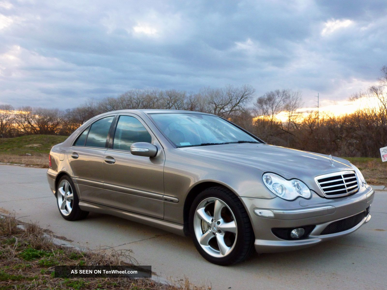 2005 Mercedes C230 6 - Speed,  Fully Loaded,  Hid,  Showroom Condition,  Under Kbb C-Class photo