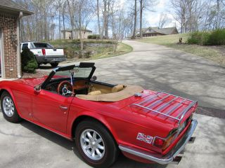 Triumph Tr6 1972 photo