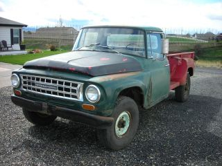 1964 International C1200 Stepside 4x4 photo