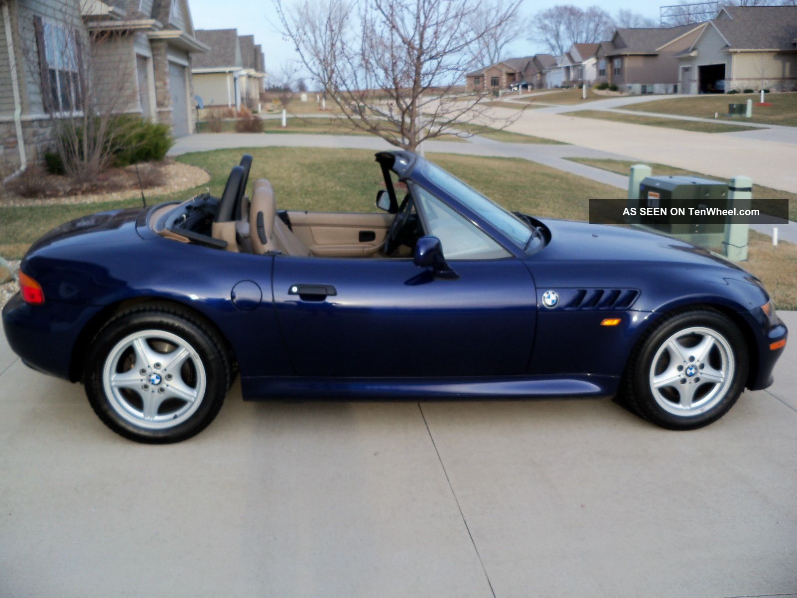 1998 bmw z3 roadster convertible 2 door 1 9l. Black Bedroom Furniture Sets. Home Design Ideas