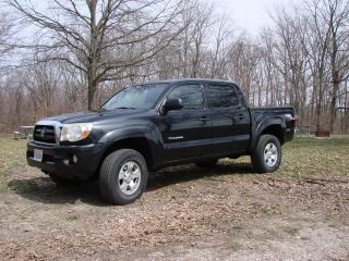 2005 Toyota Tacoma Crew Cab 4 Door 4x4 photo