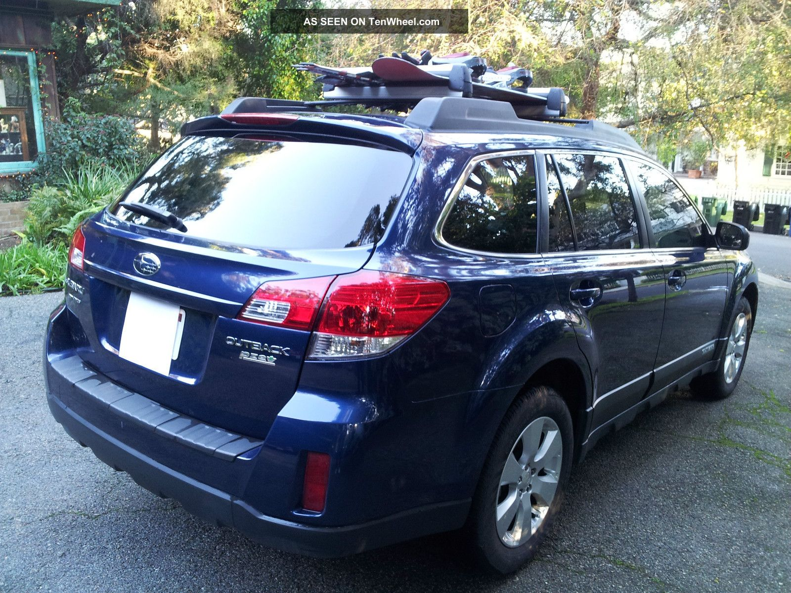 2010 subaru outback 2 5 limited edition back view camera. Black Bedroom Furniture Sets. Home Design Ideas