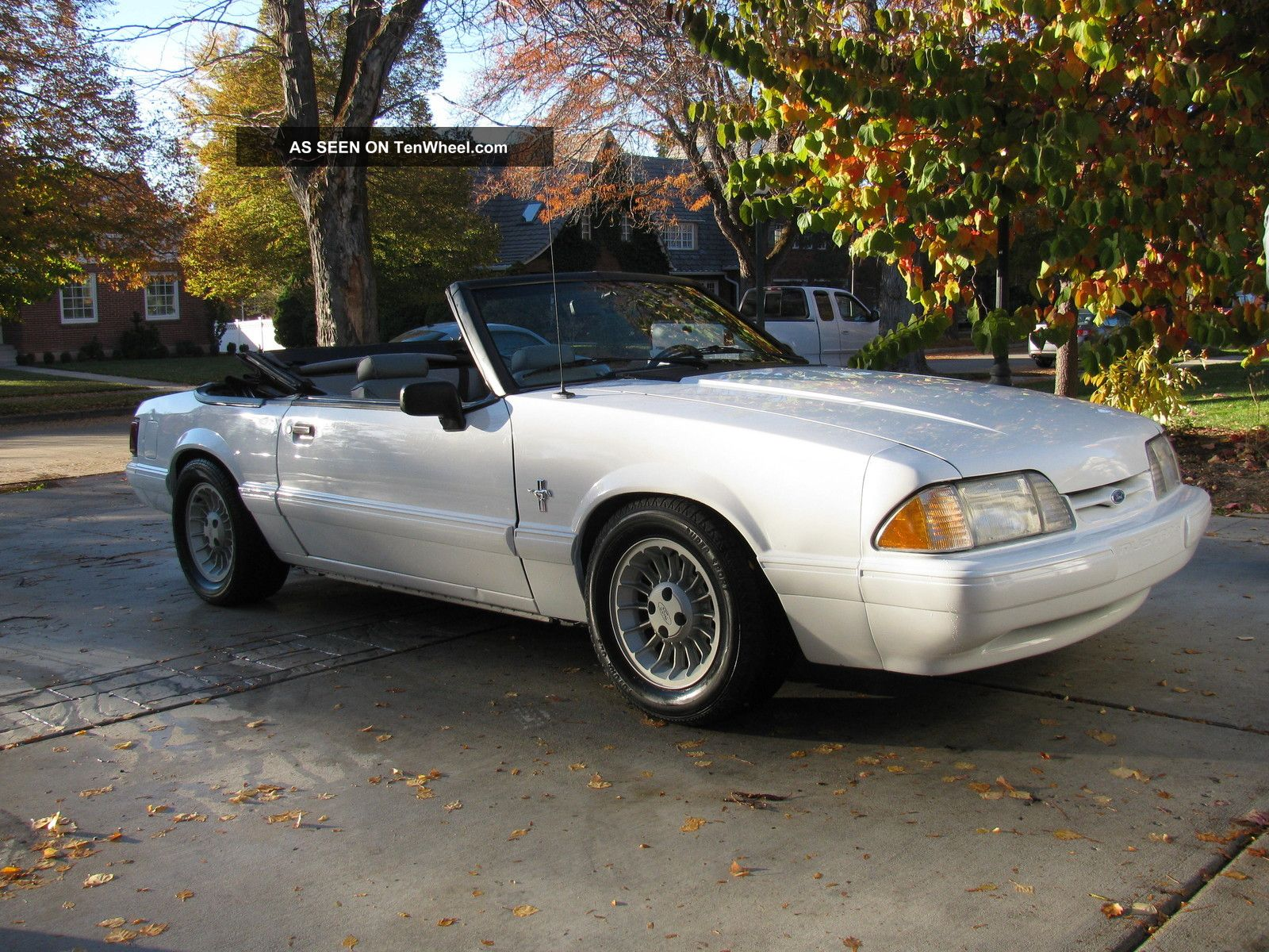 1990 Ford Mustang Lx Convertible 2 - Door 5.  0l Mustang photo