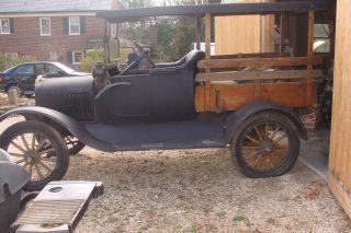 1917 Ford Model T 2 Door Truck Wagon photo