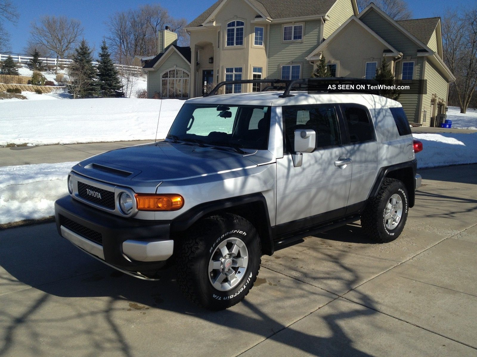 2007 Toyota Fj Cruiser Sport Utility 4 - Door 4.  0l - Loaded FJ Cruiser photo