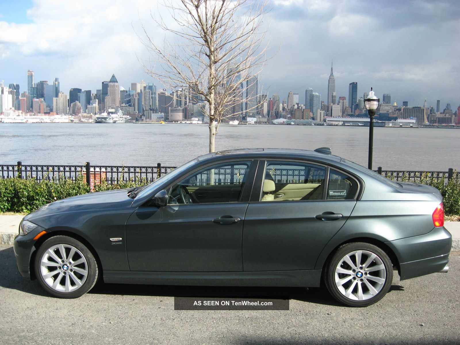2011 bmw 328i xdrive 3 0l. Black Bedroom Furniture Sets. Home Design Ideas