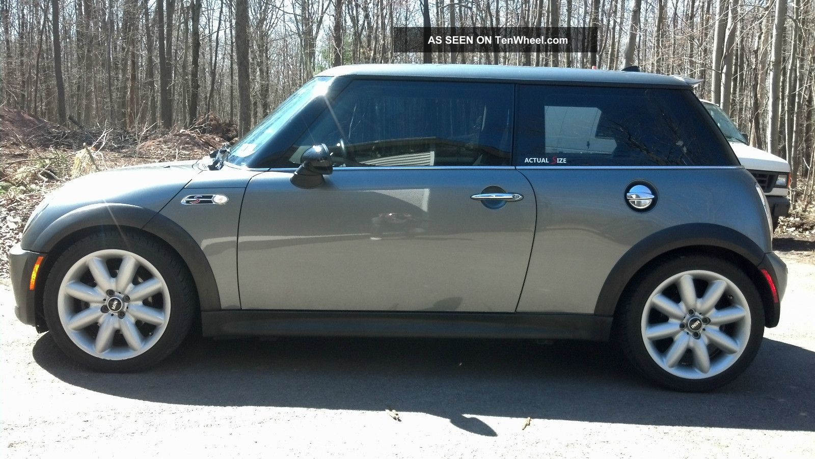 2004 mini cooper s hatchback 2 door 1 6l. Black Bedroom Furniture Sets. Home Design Ideas