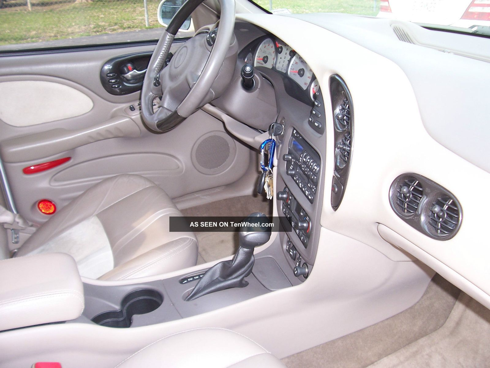 2005 Pontiac Bonneville Gxp Sedan 4