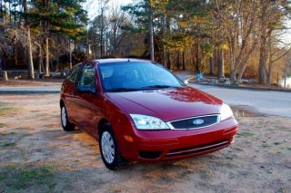 2005 Ford Focus Zx3 Hatchback 3 - Door 2.  0l photo